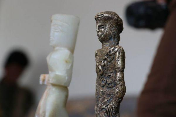 """في عملية ناجحة.. مأرب تكشف الستار عن تورط قيادات حوثية ببيع آثار اليمن """"صور"""""""
