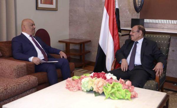 الأحمر يؤكد تعاطي الشرعية مع جهود السلام المستند على المرجعيات الثلاث