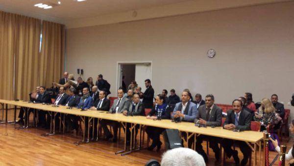 أزمة ثقة وخلافات حادة بين ممثلي الحوثيين في مفاوضات السويد