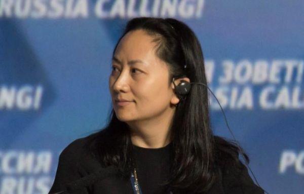 """اعتقال مسؤولة بشركة """"هواوي"""" يشعل أزمة دبلوماسية صينية أمريكية"""