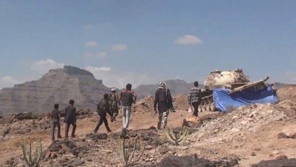 مصرع 15 حوثياً بمواجهات مع الجيش بجبهة نهم شرق صنعاء