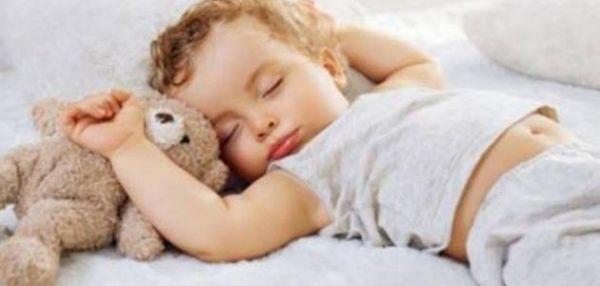 كيف تجعلين طفلك الرضيع ينام ليلاً