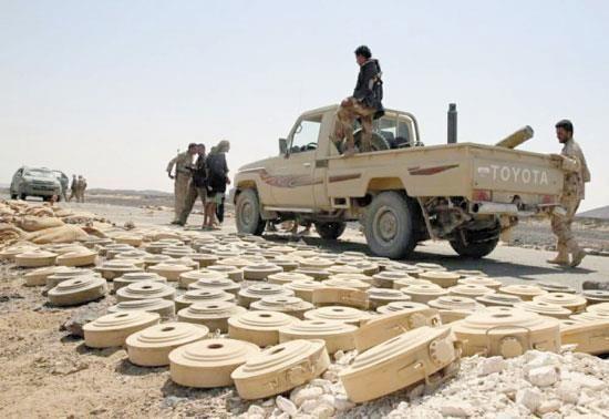 120 لغماً وعبوة ناسفة زرعتها مليشيا الحوثي في قرية واحدة بحجة