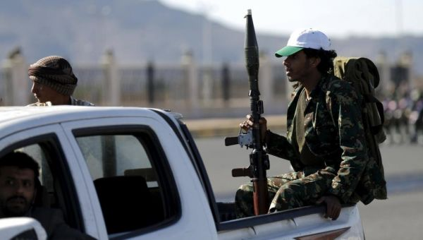 صراعات أجنحة الحوثيين بصنعاء تتصاعد.. ووقوع اشتباكات مسلحة