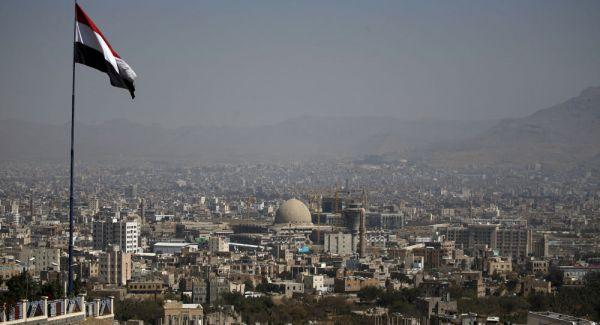 انفجارات تهز حي سكني بمنطقة الحصبة بصنعاء