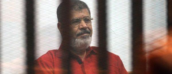 """وفاة الرئيس المصري المعزول """"مرسي"""" بعد جلسة محاكمة"""