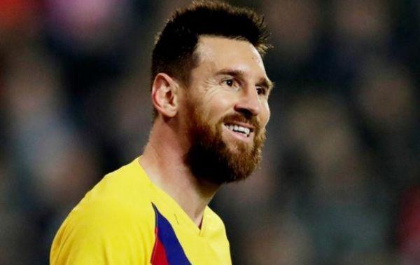ميسي يقود برشلونة للفوز على سلافيا في دوري أبطال أوروبا