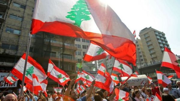 """قيادي حوثي يعتبر احتجاجات العراق ولبنان """"مؤامرة صهيونية"""" وردود لاذعة"""