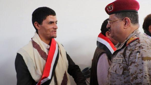 وزير الدفاع في زيارته لجرحى الجيش: تضحياتكم لن تذهب سدى