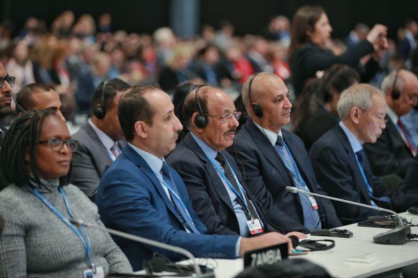 في مؤتمر المناخ: وفد اليمن يحذر من كارثة بيئية تتسبب بها مليشيات الحوثي بالبحر الأحمر