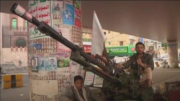 رفض واحتقان متصاعد.. تقرير يرصد مقتل 15 حوثياً خلال أسبوع بمواجهات داخلية