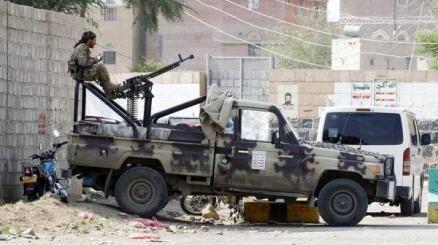 مليشيات الحوثي تواصل محاكمات هزلية بحق 75 شخصية من قيادات الجيش