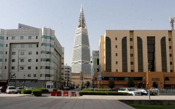 حظر تجول كامل في الرياض بالسعودية والكويت تعزل منطقتين لمواجهة كورونا