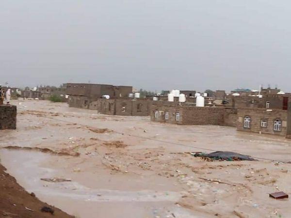 دعوة حكومية للمنظمات الدولية لإرسال فرق الإغاثة إلى المحافظات المتضررة من السيول