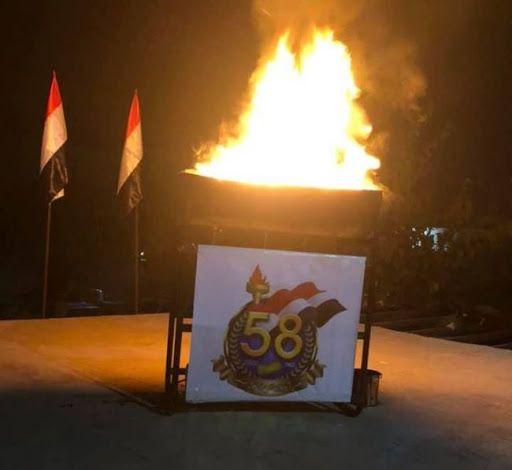 إيقاد شعلة 26 سبتمبر في منزل الشيخ الأحمر بصنعاء