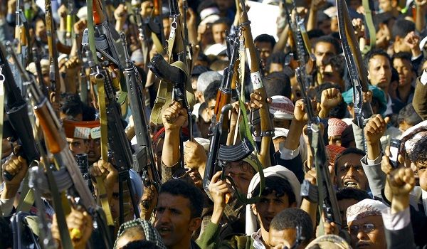 عسكرة المدارس.. جناية (الحوثية) بالتعليم في اليمن يكشفها تقرير دولي