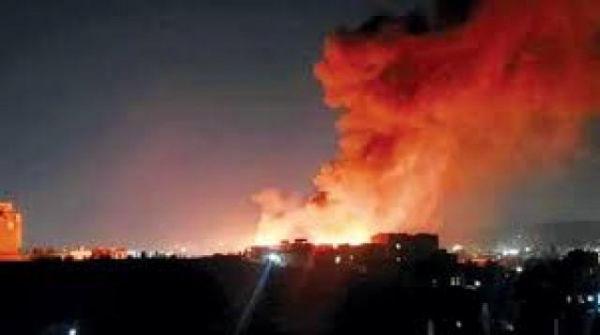 حريق هائل يلتهم ممتلكات مواطنين وسط صنعاء واتهامات لمليشيات الحوثي