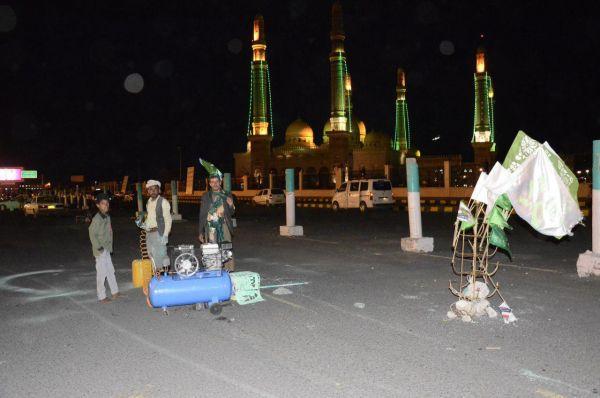 """صنعاء تغرق في """"الأخضر"""" في ظل أزمة وقود وغياب الخدمات"""