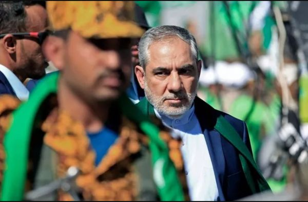 """""""ايرلو"""" يتجول في شوارعها.. ونشطاء: صنعاء محتلة من إيران"""
