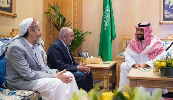 كاتب سعودي: الإصلاح قوة متماسكة وصديق تاريخي للسعودية واستهدافه يقوض مصالحها