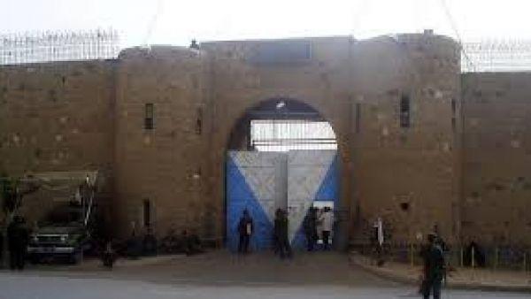 """نزيلات """"مركزي"""" صنعاء يتعرضن للضرب من قبل عناصر وزينبيات المليشيا"""