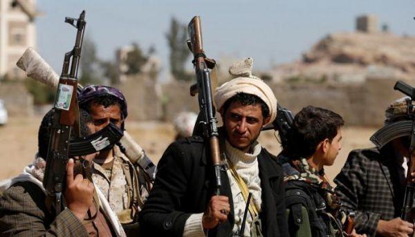 """بحجة منع الغناء.. المليشيا تقتل طفلاً وتصيب آخرين بينهم """"عريس"""" شمالي صنعاء"""