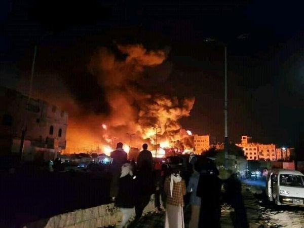 حريق هائل يلتهم مستودعاً للمفروشات وسط صنعاء