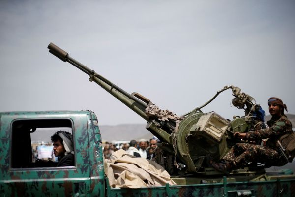 حملة سطو حوثية تطال أراضي مواطنين في صنعاء