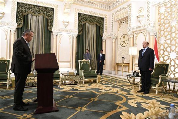 أمام رئيس الجمهورية.. بن دغر والموساي يؤديان اليمين الدستورية