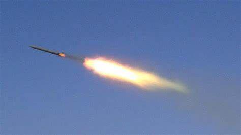 التحالف يعلن إسقاط وتدمير عددا من الصواريخ والمسيرات الحوثية