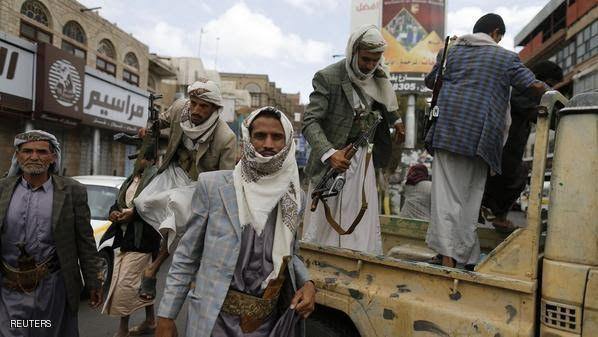 وسط تصاعد حدة الاحتقان ... مليشيا الحوثي تّهدد بإغلاق مؤسسات القطاع الخاص