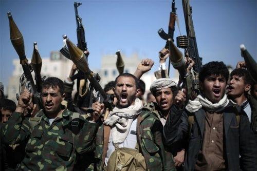 """النهب الحوثي الرمضاني لتجار صنعاء متواصل وسعار الجبايات يصل إلى """"البساطين"""""""