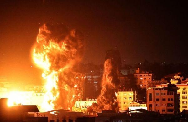 الاحتلال الإسرائيلي يواصل قصفه الجوي على قطاع غزة وارتفاع عدد الشهداء إلى 200