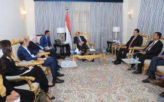 """""""كينغ"""" رفقة """"غريفيث"""" الى المنطقة لإنعاش جهود السلام """"المتعثرة"""" في اليمن"""