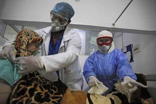 """هيومن رايتس: تداعيات كارثية لحجب مليشيات الحوثي معلومات """"كورونا"""" ومنعها وصول اللقاحات"""