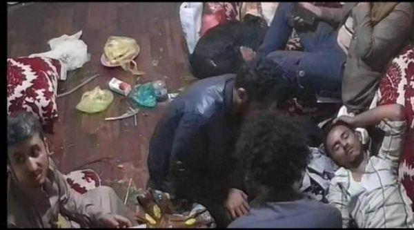 """عامٌ على جريمة """"الأغبري"""".. مليشيا الحوثي تحاول دفن القضية وتعيد فتح محل """"السباعي"""""""