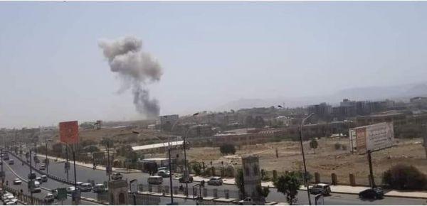 انفجارات عنيفة تهز العاصمة صنعاء والتحالف ينفي شنّ غارات حربية
