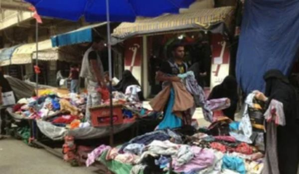 تعسفات مليشيا الحوثي تزيد من معاناة ملاك البسطات بشارع جمال في صنعاء