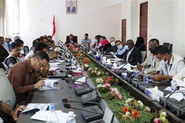 منظمات بمأرب تؤكد ضرورة الإسراع في فتح ممرات آمنة إلى مديرية العبدية المحاصرة