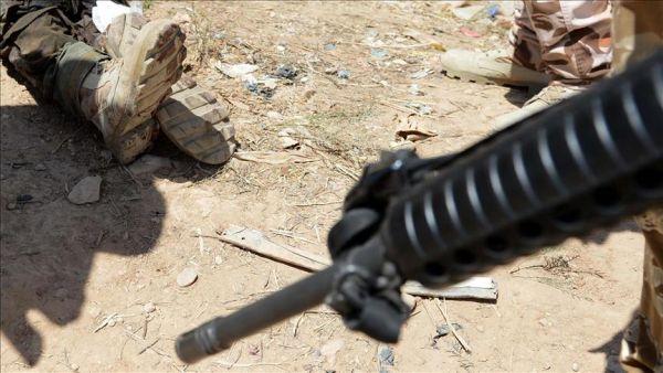 قيادي حوثي يقتل مواطناً أمام أسرته لرفضه تسليم نفسه غربي البلاد