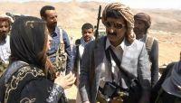 وفد صحفي خارجي يزور الخطوط الامامية لجبهة نهم.. والذيباني: الجيش يحمي المدنيين