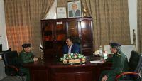 وكيل وزارة الداخلية يبحث مع مدير عام شرطة مأرب المستجدات الأمنية في المحافظة