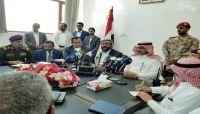 السفير السعودي «آل جابر» يعلن تدشين برنامج إعادة الإعمار بمأرب بإنشاء مطار إقليمي