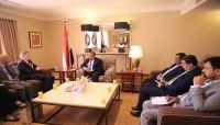 بن دغر: مليشيات الحوثي تضغط على المنظمات بصنعاء لنقل معلومات مضللة