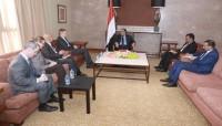 نائب الرئيس يبحث مع السفير الأمريكي جهود وقف التدخلات الايرانية ومحاربة الارهاب