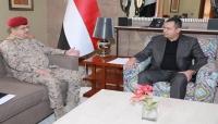 رئيس الوزراء يؤكد على الدعم العسكري والمعنوي لاستكمال معركة التحرير