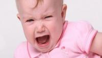 كيف أتعامل مع الطفل كثير البكاء
