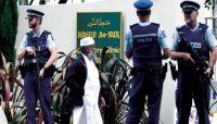 """عودة المصلين لـ""""مسجد النور"""" في نيوزيلندا وسط حشود غفيرة من الزائرين"""