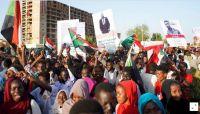 المحتجون السودانيون يتمسكون بمطالب الانتقال للحكم المدني