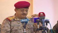 وزير الدفاع يشيد بدور الإعلام في مواجهة المليشيات ويدعو لتوحيد الجهود